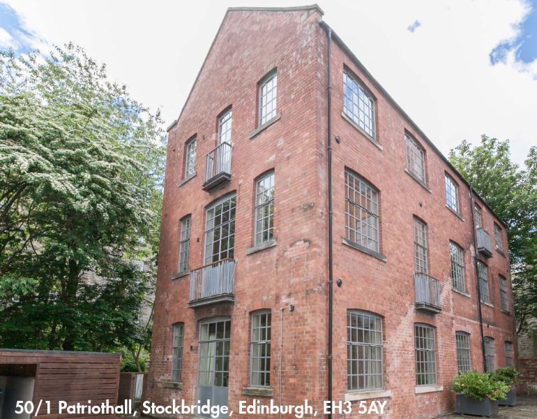 we are the ground corner flat with 3 enter and exit doors. - Edinburgh, Stockbridge - very central 1 bed, sleep 4, private FREE parking - Edinburgh - rentals