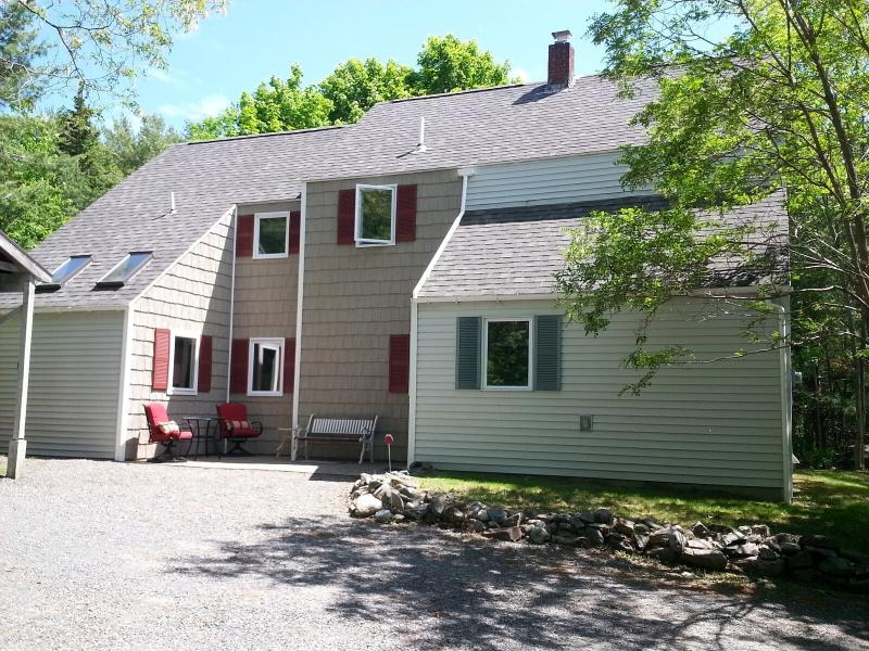 Beautiful home  walking to downtown and around the corner from the park - Great location, walk to town, seconds to park - Bar Harbor - rentals