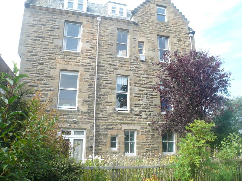 Flat 3, 'Westoun', Wardlaw Gardens, St Andrews - Image 1 - Saint Andrews - rentals