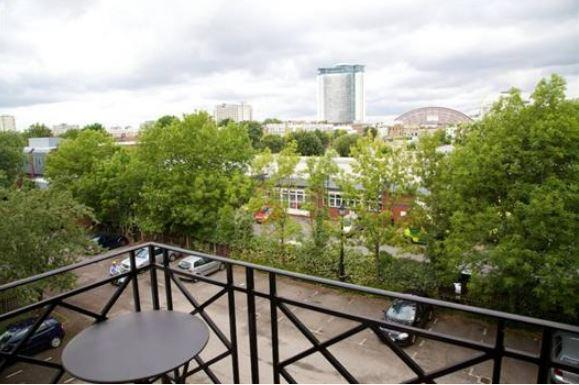 Fulham/Chelsea 2 Bedroom 2 Bathroom with Balcony (3983) - Image 1 - London - rentals