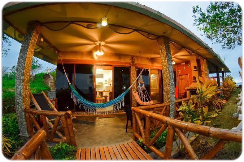 Suites Baja Montañita - Villa Curia - Image 1 - Santa Elena - rentals