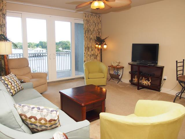 Main living room - Gorgeous New 2 Bedroom Laketown Wharf with Amazing - Panama City Beach - rentals
