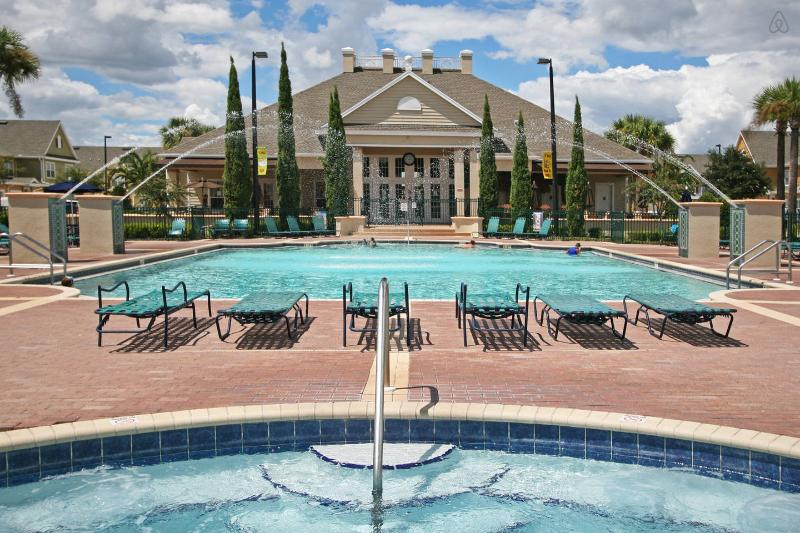 The Beautiful Pool & Hot Tub Over Looking The Club House - MINUTES TO DISNEY, 3 BEDROOMS 2 BATH TOWNHOUSE - Kissimmee - rentals