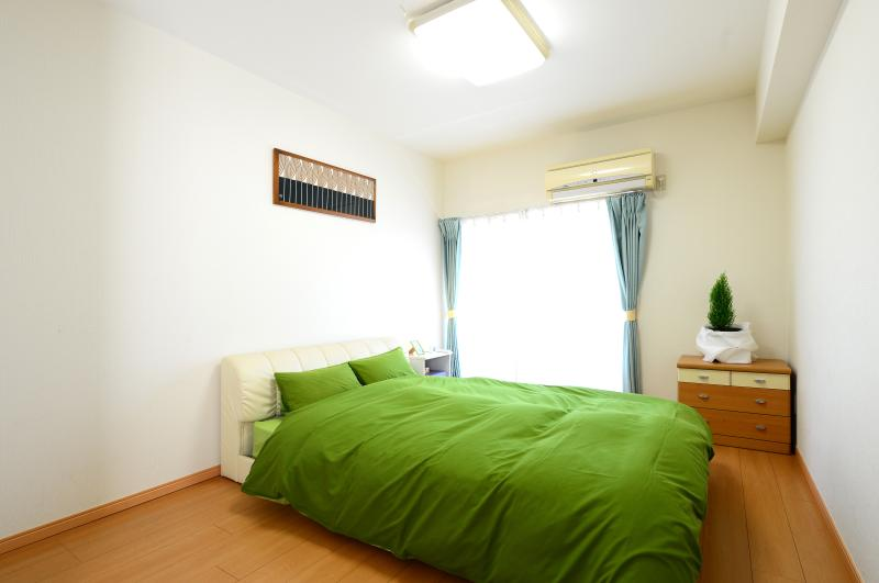 Master bedroom / Double size bed. - Big & Bright 2BR, 5 min from Shinjuku Station. 2F - Nakano - rentals