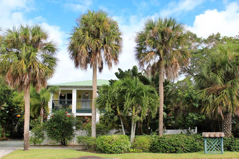 "Pineapple Manor Vacation Apartment ""B"" - Image 1 - Melbourne Beach - rentals"