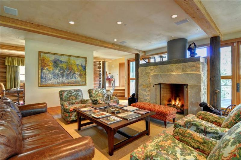 THE HIDEAWAY at Ruby Ranch: 4 bed/6.5 bath Luxury Home, Game Room, Theater, Hot - Image 1 - Silverthorne - rentals