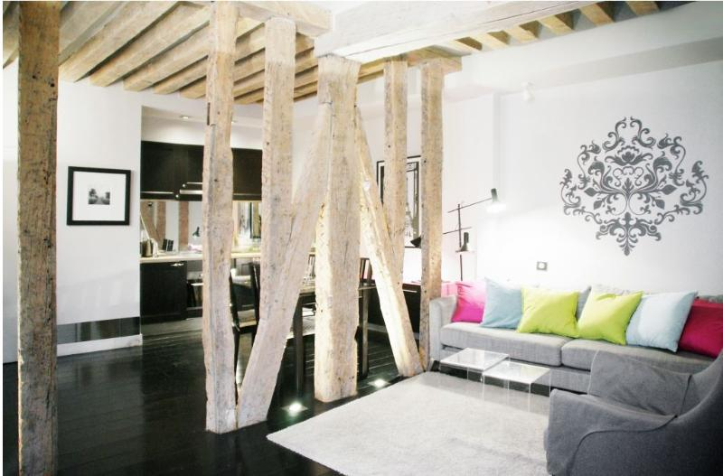 Saint Germain 1 Bedroom 2 Bathroom Sleeps 4 (4731) - Image 1 - Paris - rentals