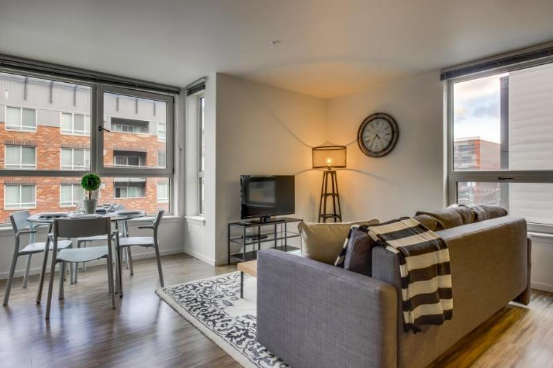 Elegant, dog-friendly condo w/ shared rooftop deck near Lake Union - Image 1 - Seattle - rentals