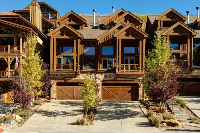 Contemporary mountain home w/hot tub, in-home theater, more! - Image 1 - Park City - rentals