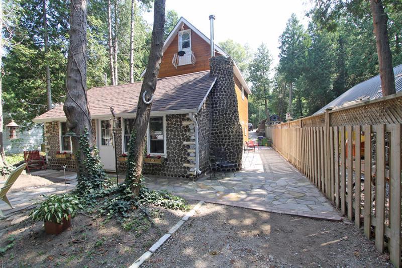 Inverhuron Cottage (#716) - Image 1 - Kincardine - rentals