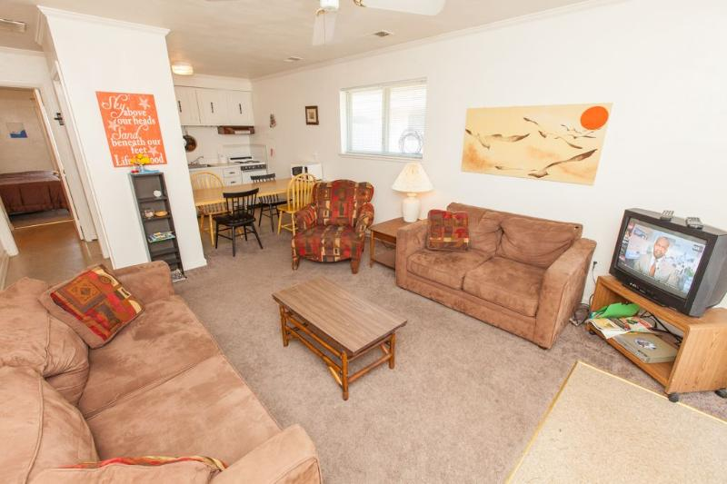 Living Room - Mai Kai 3A - Virginia Beach - rentals