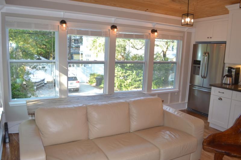Newly Renovated Garage Apartment - Easy Stroll to Downtown St Augustine - Historic Downtown St Aug - Steps to St George St - Saint Augustine - rentals