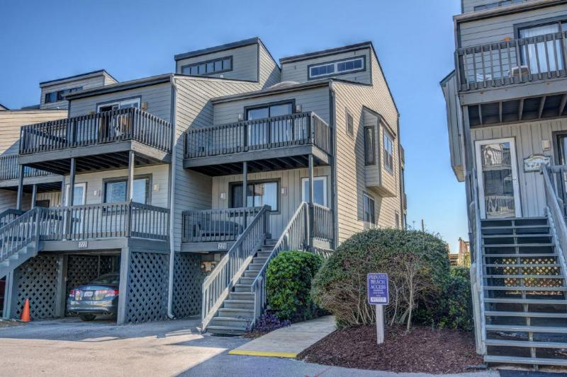 221 Shipwatch - Shipwatch II 221 Oceanfront! | Community Pool, Internet - North Topsail Beach - rentals