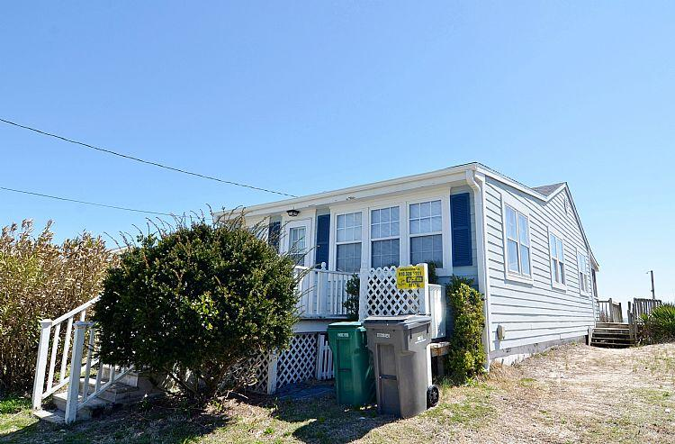 Exterior - Summer Breeze - Wonderful Oceanfront View, Excellent Location, Affordable, Near Pier & Shops - Surf City - rentals
