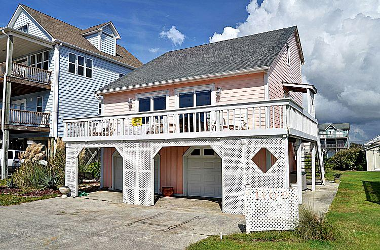 Exterior Front - Poppy's Place - Whimsical & Vibrant Style, Excellent Location, Near Ocean Access - Surf City - rentals