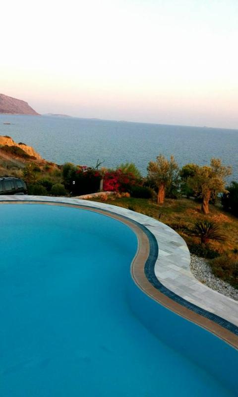 Beautiful Greek Villa on the Peloponnese Near a Rocky Beach - Villa Hermione - Image 1 - Ermioni - rentals