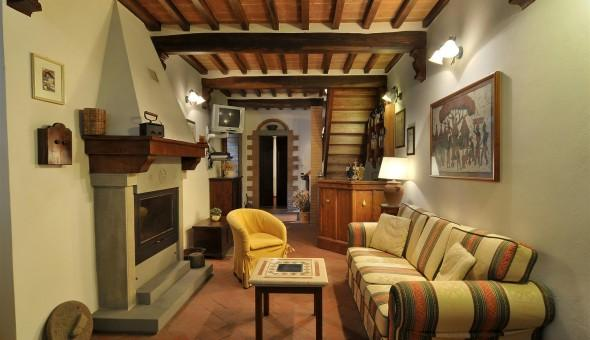 Apartment Overlooking the Rooftops of the Ancient Town of Cortona - Casa Berrettini - Image 1 - Cortona - rentals