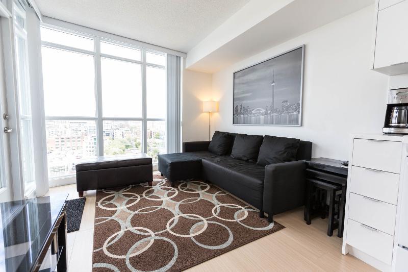 Living Room - Toronto/Condo/Suite/Flat - Toronto - rentals
