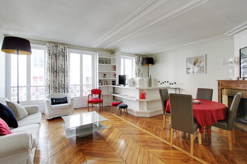 Elegant One Bedroom Vaneau Bon Marché - Image 1 - Paris - rentals