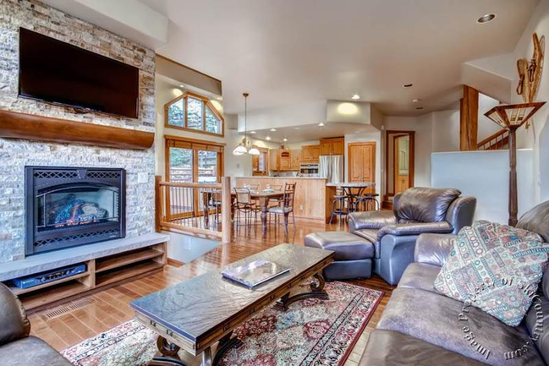 The Woods Townhomes 111 by Ski Country Resorts - Image 1 - Breckenridge - rentals