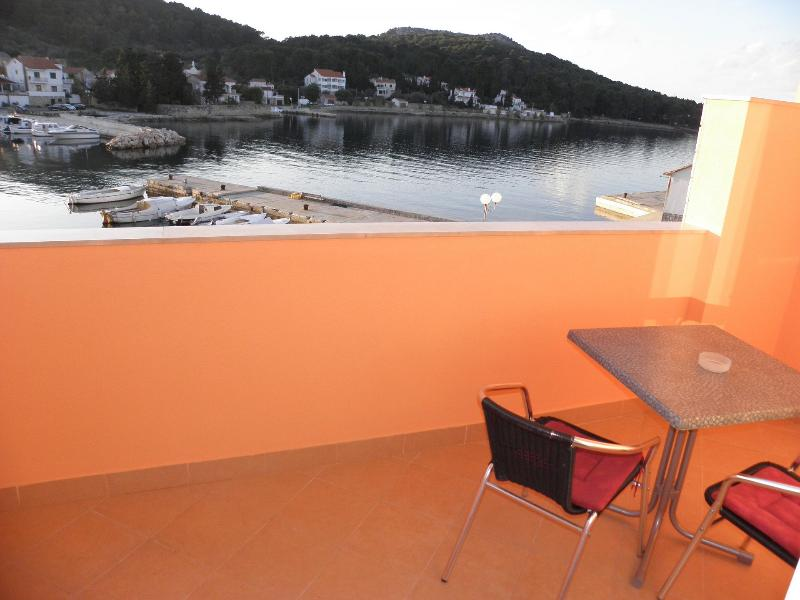 A3(2+2): terrace view - 4995 A3(2+2) - Lukoran - Lukoran - rentals