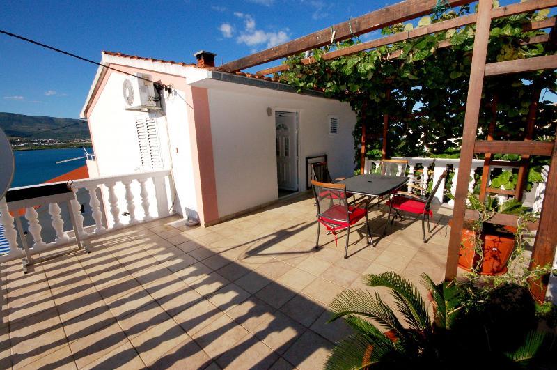A2(4+1): terrace - 0412ARBA  A2(4+1) - Mastrinka - Mastrinka - rentals