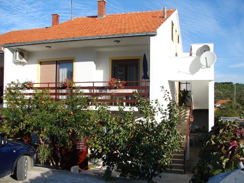 house - 00710TISN A1 Crveni (2+1)  - Tisno - Tisno - rentals