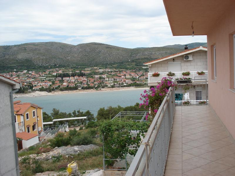 sea view (house and surroundings) - 7975  A1(5+1) - Trogir - Trogir - rentals