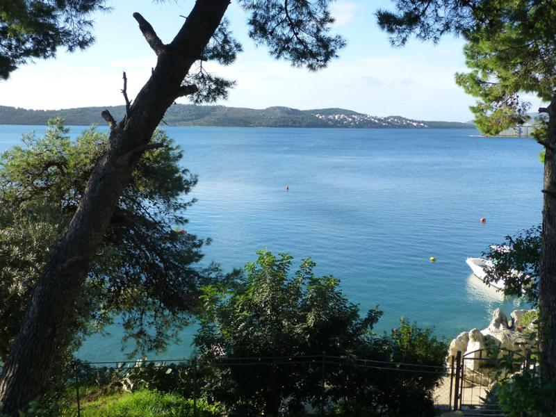 sea view (house and surroundings) - 8212  A1(6+1) - Trogir - Trogir - rentals