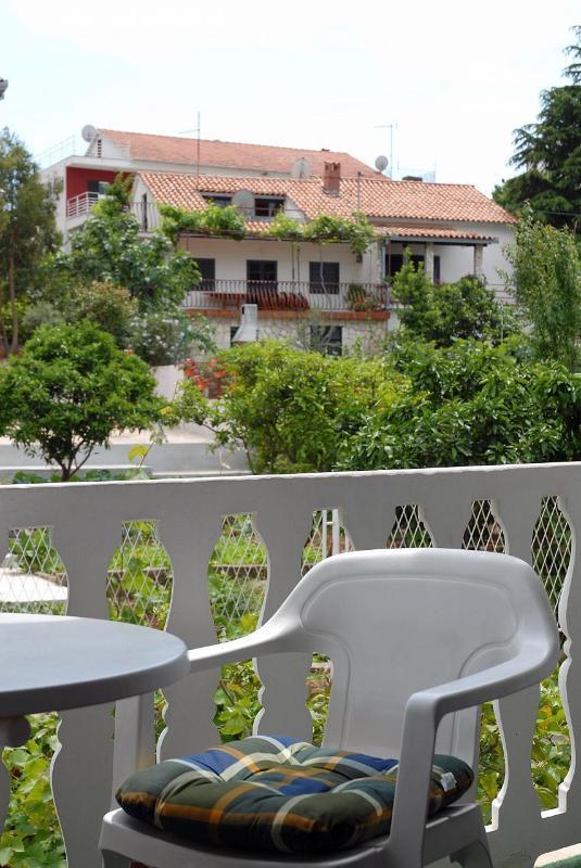 A2(2+1): terrace - 001SEGV A2(2+1) - Seget Vranjica - Seget Vranjica - rentals