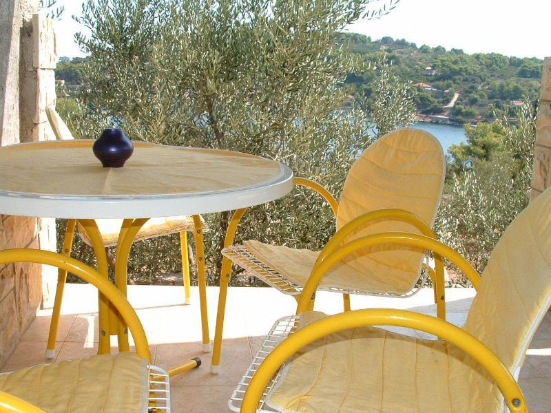 A1(4): covered terrace - 00802ROGA A1(4) - Rogac - Rogac - rentals