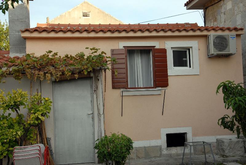 house - 35567 SA1(2) - Split - Split - rentals