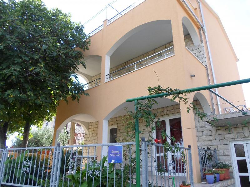 house - 2299 A1(4+1) - Okrug Gornji - Okrug Gornji - rentals