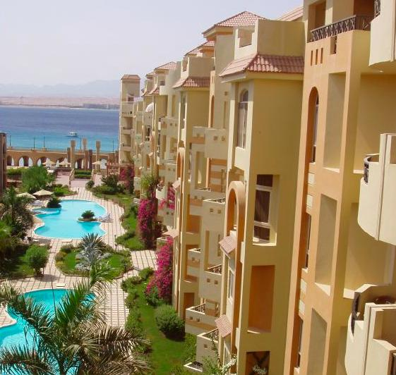 El Andalous, with its pools, gardens and private beach. - Beachside luxury at El Andalous, Sahl Hasheesh - Hurghada - rentals