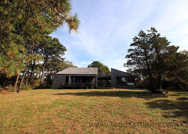 ARCHITECTURALLY DESIGNED, WATERFRONT CONTEMPORARY - Image 1 - Chappaquiddick - rentals