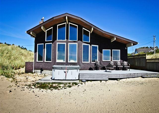 View of Ocean Breeze from the beach. - OCEAN BREEZE~Relax in the hot tub at this ocean front luxury home - Manzanita - rentals