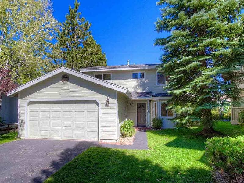 Exterior - 1923 Cathedral Court - South Lake Tahoe - rentals