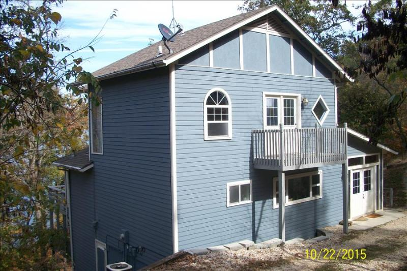 Fall Drive - Low Rates! Water Front on Beaver Lake Near Dam - 2 Remote Acres, Quiet Cove. - Image 1 - Eureka Springs - rentals