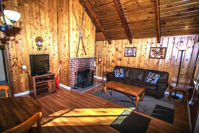 Living Room - Cozy Hous-B, close to Ski, Lake & Village sleeps 4 - City of Big Bear Lake - rentals