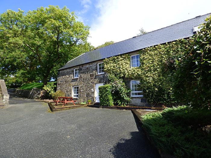 Drigarn, Gellifawr Cottages - Image 1 - Newport - rentals