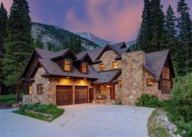 Breckenberg Haus - Blue River Beauty Featuring Stunning Views of Quandary Peak & Great Amenities - Breckenridge - rentals