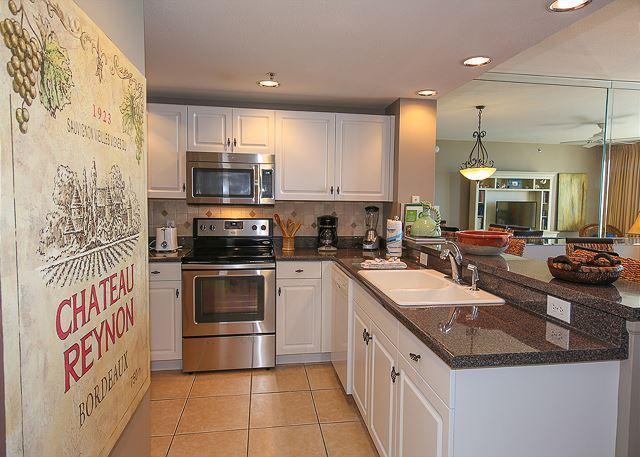 Kitchen - Platinum Gulf View 10th Floor 2BR/2BA, Sleeps 7 - Destin - rentals