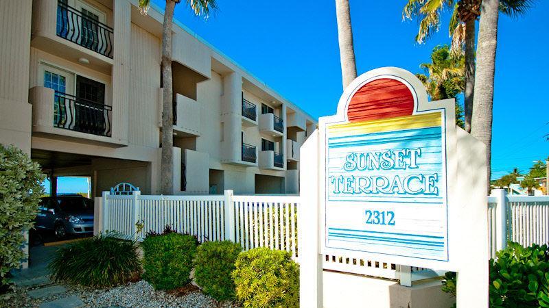 Sunset Terrace - 208 - Image 1 - Bradenton Beach - rentals