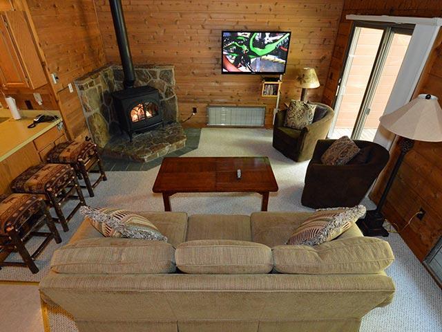 Powder Monkey 11: 3 Bedrooms, 2 Full Baths. Gas Fireplace. - Powder Monkey 11: Fireplace, 3 BR / 2 Baths - Snowshoe - rentals