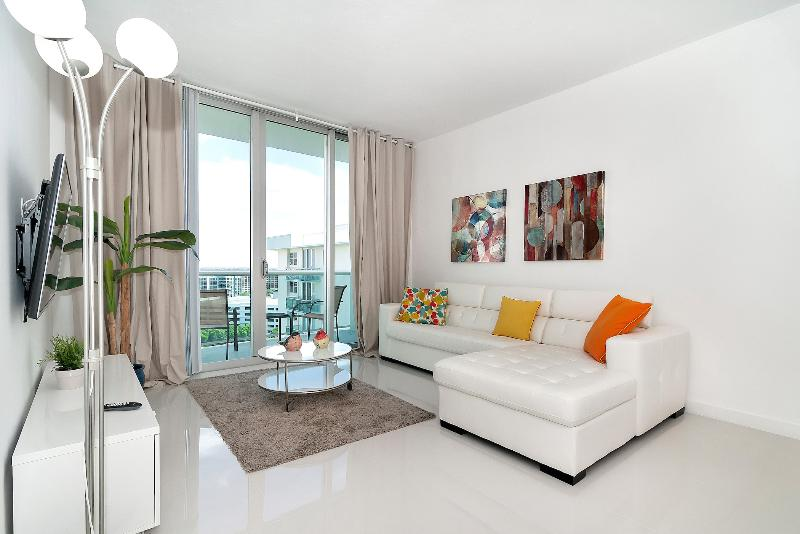 Great Pent House on Hollywood Beach - 1 Bedroom - Image 1 - Hollywood - rentals