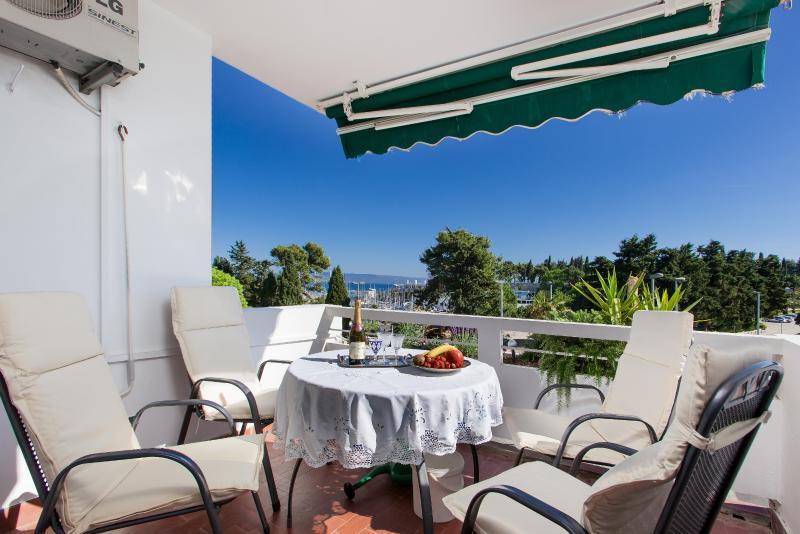 Split HIT Apartment in Great Location - Image 1 - Split - rentals