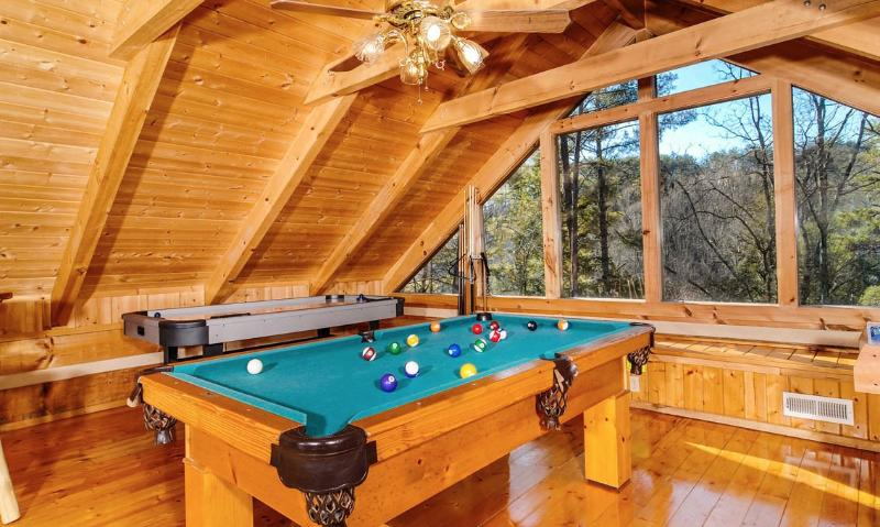 Appalachian Mountain Hideout - Image 1 - Pigeon Forge - rentals