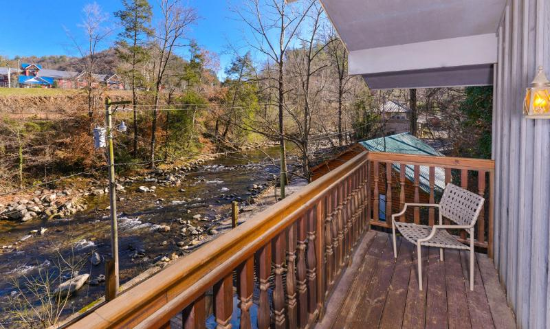 A River Song - Image 1 - Gatlinburg - rentals