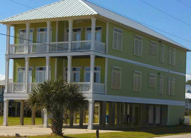 Front view of Bella De' - Bella De' Beach House - Gulf Shores - rentals