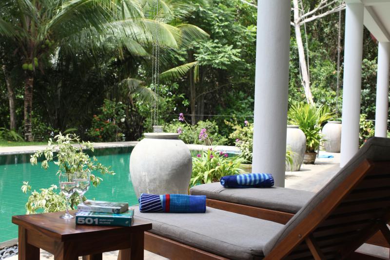 relax by the private pool - The Retreat at Blue Lagoon, Hikkaduwa, Sri Lanka - Hikkaduwa - rentals
